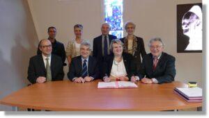 Signature du renouvellement de convention entre la Région Auvergne Rhônes-Alpes, l'Union Régionale et les Écoles de Production le 17 février 2017